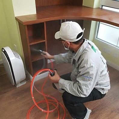 友兰科技为梅陇十一村业主进行室内空气治理服务