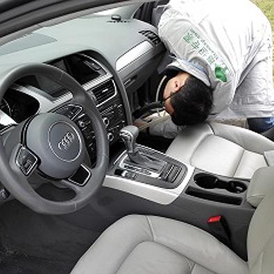 友兰科技为某大学教授做车内空气治理服务